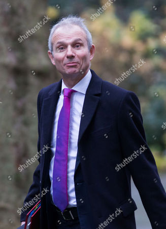 Stock Photo of David Lidlington, Leader of the Commons arrives for the weekly Cabinet meeting at number 10 Downing street.