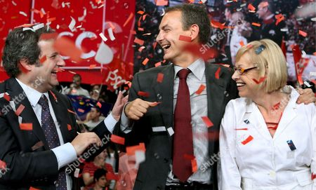 Spanish Prime Minister and General Secretary of Spain's Socialist Party Jose Luis Rodriguez Zapatero (c) Chats with Barcelona's Mayor Jordi Hereu (l) As Candidate of the Catalonian Socialist Party (psc) For the European Elections Maria Badia Looks On During an Electoral Event For the Upcoming European Elections in Barcelona North-eastern Spain On 04 June 2009