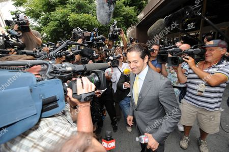 Attorney of Debbie Rowe Eric George (c) is Surrounded by the Press Outside of Los Angeles Superior Court Following a Hearing to Finalize an Agreement For Permanent Custody of the Late Singer Michael Jackson's Three Children On Los Angeles California Usa 03 August 2009 Michael Jacksons Mother Was Granted Custody of His Three Children As His Family Went to Court in an Effort to Gain Greater Control Over the Late Singer's Estate