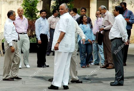 The Board For Control of Cricket in India(bcci) President Mr Sharad Pawar(front in White Clothes) Arrives For a Meeting in Bombay India On Friday April 06 2007 the Two-day Session Meeting with Former Indian Captains and the Present Captain Rahul Dravid Along with Coach Greg Chappell is On to Find Reasons For the World Cup Debacle of the Indian Cricket Team and Decide On a Future Roadmap Chappell 58 Had Earlier Resigned As India's Cricket Coach Following the Team's First-round Exit From the World Cup