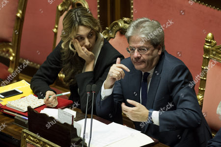 Minister of Public Administration Marianna Madia and Prime Minister Paolo Gentiloni