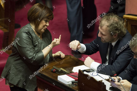 Senator Stefania Pezzopane talks with Minister of Sport Luca Lotti with