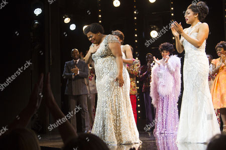 Amber Riley (Effie White) and Liisi LaFontaine (Deena Jones) during the curtain call