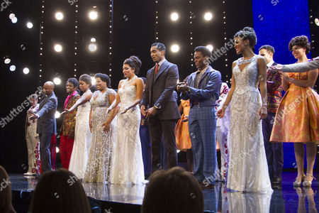 Ibinabo Jack (Lorrell Robinson), Amber Riley (Effie White), Liisi LaFontaine (Deena Jones) and members of the cast during the curtain call