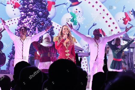 Editorial image of Mariah Carey 'All I Want for Christmas Is You' concert, New York, USA - 14 Dec 2016