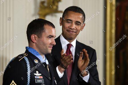 Editorial photo of Usa Medal of Honor Giunta - 16 Nov 2010