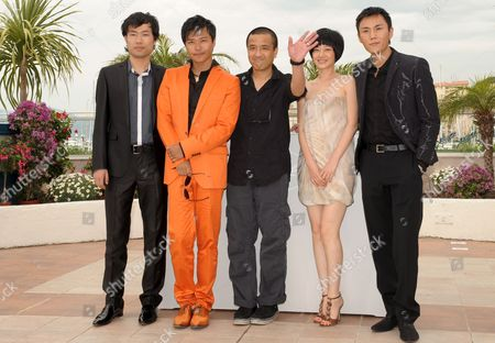 L-r Actor Wu Wei Actors Chen Sicheng Director Lou Ye Actors Tan Zhuo and Qin Hao Attend a Photocall For the Chinese Film 'Chun Feng Zui De Ye Wan' (spring Fever) by Lou Ye Running in Competition For the 62nd Edition of the Cannes Film Festival in Cannes France 14 May 2009