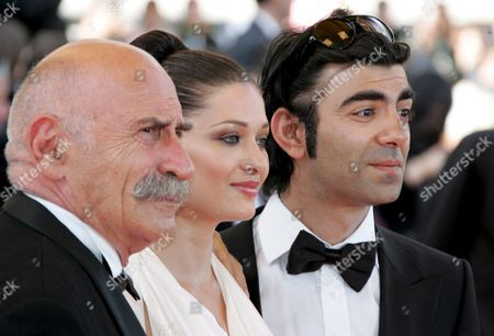 (l-r) Turkish Actors Tuncel Kurtiz and Nurgul Yesilcay and Turkish Director Fatih Akin Arrive For the Closing Ceremony of the 60th Cannes Film Festival 27 May 2007 in Cannes France Turkish Director Fatih Akin Received the Best Screenplay Award 27 May 2007 For His Film the Edge of Heaven' ('auf Der Anderen Seite') During the Awards Ceremony at the 60th International Film Festival