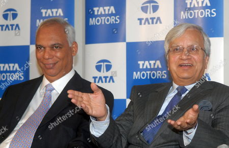 P M Telang (l) Managing Director - India Operations Tata Motors Along with Ravi Kant Vice Chairman Tata Motors During the Announcement of the Audited Financial Result For the First Quarter Which Ended 30 June 2009 in Mumbai India 27 July 2009 Tata Motors Ltd India's Largest Vehicle Maker Reported a 58 Percent Rise in Net Profit with a Change in Accounting Policy and Lower Costs Seeing It Defy Forecasts For a Halving of Profit and Sending Its Shares Up