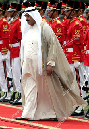 Kuwait's Prime Minister Sheikh Nasser Al-mohammed Al-ahmed Al-sabah Inspects the Lines During Honour Guard Ceremony at the Presidential Palace in Jakarta 30 May 2007 Sheikh Nasser Mohammad Al-sabah is in an Official Visit to Tighten Bilateral Relationships Between Two Countries