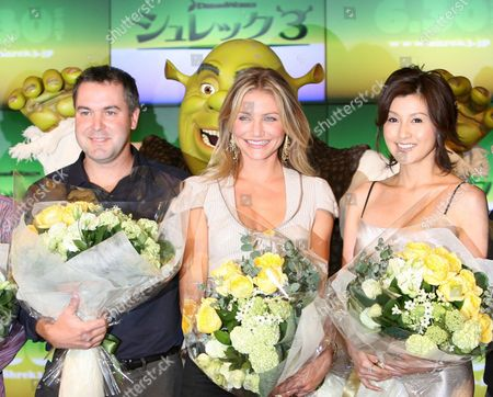 American Actress Cameron Diaz (c) Poses with Film Director Chris Miller (l) and Japanese Actress Norika Fujiwara at a Press Event in Tokyo 28 May 2007 Diaz (princess Fiona's Voice) and Movie Staff Are in Tokyo For the Promotion of 'Shrek 3' the Third Opus of the Serie Will Hit Japanese Screens On 30 June Fujiwara is the Japanese Voice of the Character Princess Fiona
