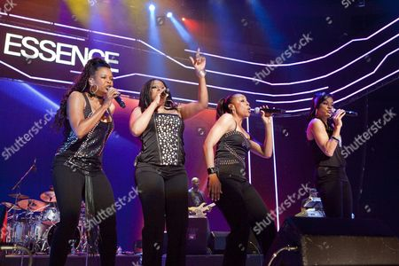 Us Female Rhythm and Blues Vocal Quartet En Vogue Performs On Stage with a Reunion Show On the Last Night of the Three-day Essence Music Festival in the Louisiana Superdome in New Orleans Louisiana Usa 05 July 2009 This Year's 15th Anniversary Essence Music Festival Celebration Was Set For This Weekend of July 3 4 and 5 in New Orleans and It's Performers Included Beyonce Maxwell Anita Baker Al Green John Legend Keri Hilson Robin Thicke Salt-n-pepa Ne-yo Raphael Saadiq En Vogue Eric Benet Sierra Leone Refugee All Stars Teena Marie and Many More Musical Artists