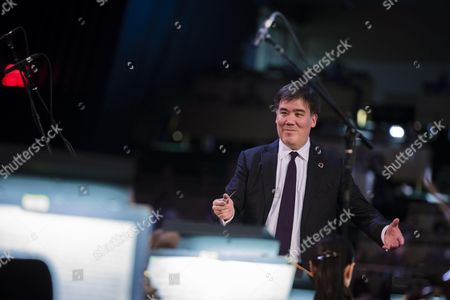 The New York Philharmonic, conducted by Music Director Alan Gilbert, paid special tribute in the General Assembly Hall to UN Secretary-General Ban Ki moon as he prepares to conclude his 10-year term.