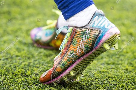 , 2016, New York Giants wide receiver Odell Beckham Jr, (13) with cleats for the late Craig Sager prior to the NFL game between the Detroit Lions and the New York Giants at MetLife Stadium in East Rutherford, New Jersey. The New York Giants won 17-6