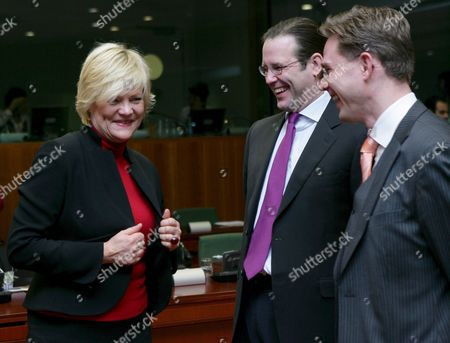 Norwegian Finance Minister Kristin Halvorsen (l) Talks with Swedish Finance Minister Anders Borg (c) and Finland's Minister of Finance Katainen (r) at the Start of the Econfin Council Meeting in Brussels Belgium On 13 November 2007 European Finance Ministers Pressed China to Let Its Currency Strengthen So Their Economy No Longer Bears the Brunt of the Drop in the U S Dollar
