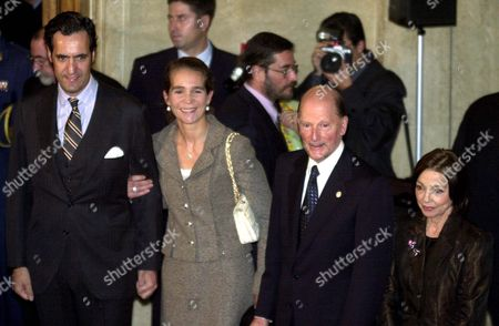 Stock Image of Spanish Infanta Elena De Borbon (2ndl) Her Husband Jaime De Marichalar (l) and Bulgarian Prime Minister Simeon Saxe-coburg-gotha (2ndr) and His Wife Margarita (r) Pose For Photographs During the Opening of the Exhibition of Spanish Artists at the National Gallery For Foreign Art in Sofia Bulgaria On Friday 21 November 2003 the Spanish Infanta and Her Husband Are in Bulgaria On a Three -day Visit