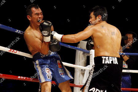 Marco Antonio Barrera (r) of Mexico Fights with Compatriot Samuel Ventura Alvarez in Their Lightweight Bout of the 2008 Wbc World Championship Boxing in Chengdu Sichuan Province China 07 November 2008 Barrera Won the Bout