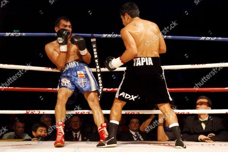 Marco Antonio Barrera (r) of Mexico Fights with Compatriot Samuel Ventura Alvarez (l) in Their Lightweight Bout of the 2008 Wbc World Championship Boxing in Chengdu Sichuan Province China 07 November 2008 Barrera Won the Bout