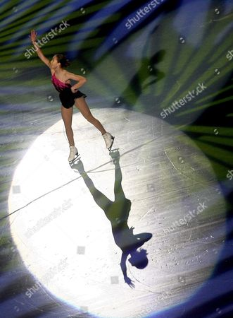 Kimmie Meissner of the Usa Performs During the Gala of the Bompard Figure Skating Trophy in Paris On Sunday 19 November 2006