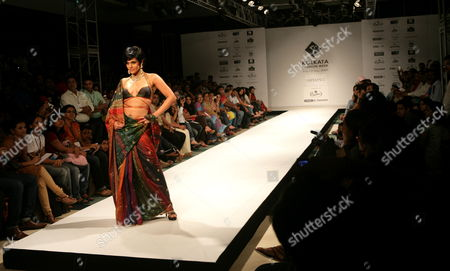 Model and Actress Mandira Bedi Takes to the Catwalk Presenting a Creation by Satya Paul During the Fourth Day of Calcutta Fashion Week Ii in Calcutta India 12 September 2009