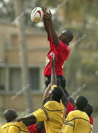 Abdoulaye Diallo From Mali (centre) Wins the Ball in a Line-out with Maritania During Their Super 16 Rugby International at Iba Mar Diop Stadium in Dakar Senegal Wednesday 09 June 2004 Mali Beat Mauritania 81-0 the Super 16 Tournament is a International Rugby Board (irb) Sanctioned Event For African Countries and This is Only the Second Time the Tournament Has Been Held the Final is On October 16 2004