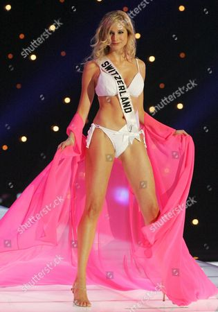 Miss Universe 2005 Contestant Miss Switzerland Fiona Hefti Appears in Her Swimwear During the First Round of Judging in the Miss Universe Competition Held in Bangkok Thailand On Thursday 26 May 2005 Yong Women Representing 81 Nations Are Competing For the Miss Universe 2005 Title Held by 2004 Winner Australian Jennifer Hawkins the Finals of the Event Are to Be Held On 31 May in Bangkok