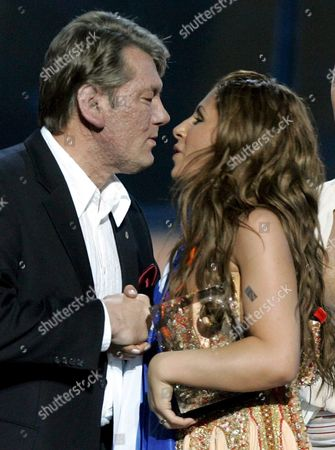 Ukrainian President Viktor Yushchenko (l) Greets Greek Singer Helena Paparizou As Winner of Eurovision Song Contest in Kiev Saturday 21 May 2005 Paparizou Won with the Song 'My Number One'