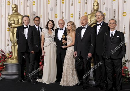 Father of Late Australian Actor Heath Ledger Kim Ledger (4-l) with His Wife Sally Bell (3-l) and Daughter Kate Ledger (4-r) and Presenters Christopher Walken (l) Cuba Gooding Jr (2-l) Alan Arkin (3-r) Kevin Kline (2-r) and Joel Grey (r) Holds the Oscar He Accepted For His Son Heath Ledger For Best Supporting Actor in Dark Knight at the 81st Academy Awards 22 February 2009 at the Kodak Theater in Hollywood California Usa the Academy Awards Honour Cinematic Excellence in 24 Categories