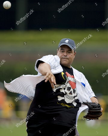 Stock Photo of 'The Sopranos' Star Joe Gannascoli Throws out the Ceremonial First Pitch Before the Start of the San Francisco Giants - Chicago Cubs Baseball Game at Wrigley Field in Chicago Illinois Usa 18 July 2007