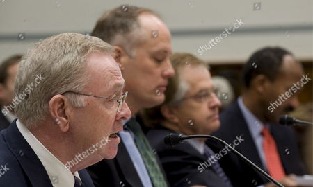 (l-r) Former Freddie Mac Ceo Richard Syron Former Fannie Mae Ceo Daniel Mudd Former Freddie Mac Ceo Leland Brendsel and Former Fannie Mae Ceo Franklin Raines Testify Before the House Committee On Oversight and Government Reform's Hearing Titled 'The Role of Fannie Mae and Freddie Mac in the Financial Crisis' On Capitol Hill in Washington D C Usa 09 December 2008 the Hearing Will Examine the Extent to Which the Actions and Policies of Fannie Mae and Freddie Mac May Have Contributed to the Ongoing Crisis