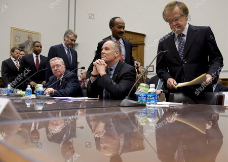 Former Freddie Mac Ceo Richard Syron (seated Left) Former Fannie Mae Ceo Daniel Mudd (seated Right) Former Freddie Mac Ceo Leland Brendsel (far Right) and Former Fannie Mae Ceo Franklin Raines (rear 2-r) Arrive to Testify Before the House Committee On Oversight and Government Reform's Hearing Titled 'The Role of Fannie Mae and Freddie Mac in the Financial Crisis' On Capitol Hill in Washington D C Usa 09 December 2008 the Hearing Will Examine the Extent to Which the Actions and Policies of Fannie Mae and Freddie Mac May Have Contributed to the Ongoing Crisis