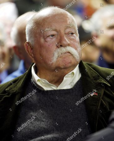 Us Actor Wilford Brimley Listens As Arizona Senator and Republican Presidential Hopeful John Mccain (not Pictured) Speaks to a Crowd Gathered at the Hudson Vfw Post in Hudson New Hampshire Usa 04 January 2008 the First-in-the-nation New Hampshire Primary Will Be Held On 08 January