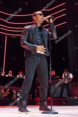 A Picture Dated 03 July 2009 Shows Us Recording Artist and Musician John Legend Performing On Stage at the Essence Music Festival in the Louisiana Superdome in New Orleans Louisiana Usa This Year's 15th Anniversary Essence Music Festival Celebration is Set For 03 - 05 July in New Orleans and It's Performers Include Beyonce Maxwell Anita Baker Al Green John Legend Keri Hilson Robin Thicke Salt-n-pepa Ne-yo Raphael Saadiq En Vogue Eric Benet Sierra Leone Refugee All Stars Teena Marie and Many More Musical Artists