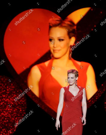 Us Actress and Singer Hillary Duff Walks the Catwalk During the Heart Truth Red Dress Fashion Show at the Mercedes-benz Fall 2009 Fashion Week in New York City Usa 13 February 2009