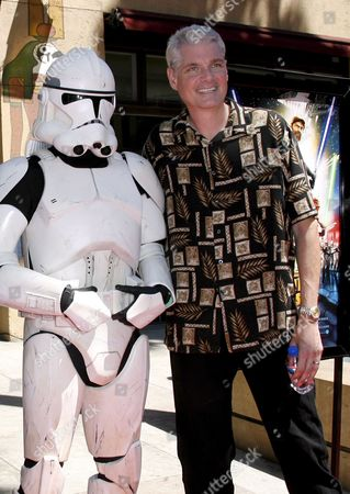 Us Actor Tom Kane (r) Arrives For the Premiere of 'Star Wars: the Clone Wars' in Los Angeles California Usa 10 August 2008 Kane Voices the Yoda Character in 'Star Wars: the Clone Wars' the First Ever Animated Feature From Lucasfilm Aniimation