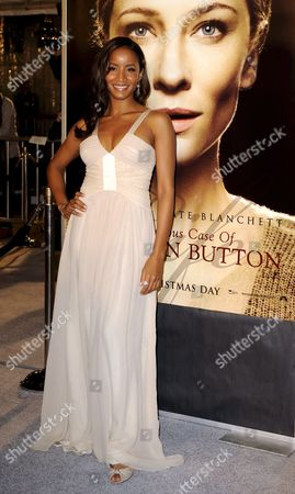 Us Actress and Cast Member Faune a Chambers Arrives For the Premiere of 'The Curious Case of Benjamin Button' in Los Angeles California Usa 08 December 2008 Chambers Plays the Role of 'Dorothy Baker' in This Adaption of the 1920s Story by F Scott Fitzgerald 'The Curious Case of Benjamin Button' is the Story of a Man (brad Pitt) Who is Born in His Eighties and Ages Backwards