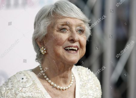 Us Actress Celeste Holm Arrives For the Premiere of 'The Women' in Los Angeles California Usa 04 September 2008 Messing Plays the Role of 'Edie Cohen' in the Film Which Centers On a Group of Gossipy High-society Women Who Spend Their Days at the Beauty Salon and Fashion Shows