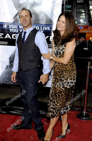 Us Director D J Caruso (l) and Wife Holly Kuespert (r) Arrive For the Premiere of 'Eagle Eye' at Grauman's Chinese Theatre in Hollywood California Usa 16 September 2008 Caruso Directs the Dreamworks' Race Against Time Thriller