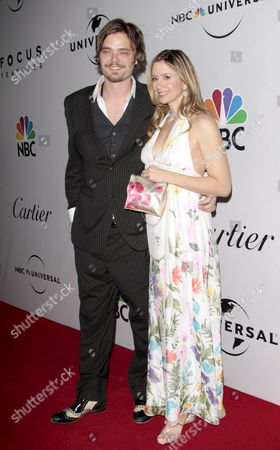 Stock Photo of Us Actress Mira Sorvino Arrives with Husband Chris Backus at the Nbc/universal Pictures/focus Features Golden Globes After Party at the Beverly Hilton Hotel in Beverly Hills Los Angeles California Usa 11 January 2009 the Golden Globes Honour Excellence in Film and Television