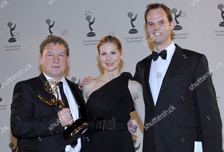 Television Writer Ashley Pharoah (l) and Producer Cameron Roach Producer (r) From the United Kingdom Are Presented with the Award For 'Life On Mars' Drama Series by Us Actress Kelly Rutherford (c) the 36th Annual International Emmy Awards Gala in New York Usa 24 November 2008