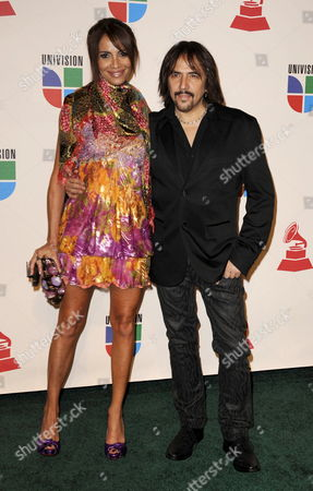 Entertainer Alejandro Lerner (r) and Guest Arrive For the Latin Grammy Awards in Houston Texas Usa 13 November 2008 the Latin Grammy Awards Honor Excellence in the Recording Arts and Sciences Artistic And/or Technical Achievement with the Winners Chosen by the Votes of Their Peers
