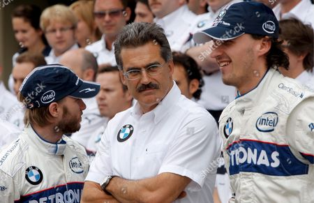 Bmw Motorsport Director German Dr Mario Theissen (c) Pose with Formula One Drivers German Nick Heidfeld (l) and Polish Robert Kubica (r) During a Photo Call at the Pit Lane of the Race Track in Interlagos Near Sao Paulo in Brazil 31 October 2008 the F1 Grand Prix of Brazil Will Be Held On 02 November 2008