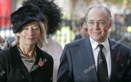 Conservative Party Leader Michael Howard (r) and His Wife Sandra Arrive at Westminster Abbey in Central London For the Memorial Service For Former Conservative Prime Minister Sir Edward Heath Tuesday 8 November 2005