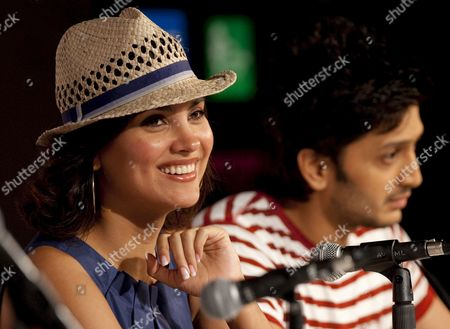 Indian Actors Lara Dutta (l) and Riteish Deshmukh (r) Speak to the Press at the Launch of the Movie 'Do Knot Disturb' On the Second Day of the of the Iifa (international Indian Film Academy) Awards Weekend at the Venetian Casino Resort in Macau China 12 June 2009 the Iifa Awards Are Often Referred to As the Bollywood Oscars Celebrating the International Nature of Indian Cinema This Marks the 10th Year of the Awards Which Are Held in a Different Country Each Year