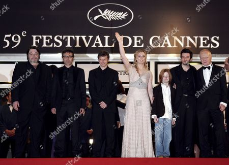 (l-r) Actor Patrick Descamps French Actor Gilbert Melki Belgian Director Lucas Belvaux and German-born Actress Natacha Regnier Pose with French Actor Eric Caravaca (2nd R) and Actor Claude Semal As They Arrive at the Palais Des Festivals For the Screening of Their Film 'La Raison Du Plus Faible' Running in Competition at the 59th Cannes Film Festival Wednesday 24 May 2006 in Cannes