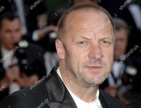Stock Image of Polish Composer Zbigniew Preisner Member of the Jury Cinefondation Arrives at the Palais Des Festivals For the Screening of the Film 'Indigenes' by French Director Rachid Bouchareb Running in Competition at the 59th Cannes Film Festival Thursday 25 May 2006 in Cannes