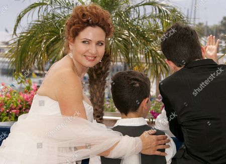 Israeli Cast Members (l-r) Limor Goldstein Yonathan Alster and Michael Moshonov Pose During a Photocall For French Director Raphael Nadjari's Film 'Tehilim' Running in Competition at the 60th Cannes Film Festival 20 May 2007 in Cannes France