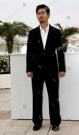 South Korean Director Na Hong-jin Poses For Photographers During a Photocall For His Film 'The Chaser' Running out of Competition at the 61st Edition of the Cannes Film Festival 17 May 2008 in Cannes France France Cannes