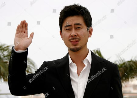 South Korean Director Na Hong-jin Poses For Photographers During a Photocall For His Film 'The Chaser' Running out of Competition at the 61st Edition of the Cannes Film Festival 17 May 2008 in Cannes France