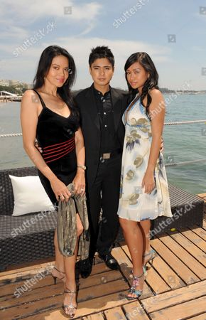 L-r Filipino Actress Maria Isabel Lopez Actor Coco Martin and Actress Mercedes Cabral Attend the Photocall For the Philippino Film 'Kinatay' by Brilliante Mendoza Running in Competition in the 62nd Edition of the Cannes Film Festival in Cannes France 17 May 2009 the Festival Runs Until 24 May